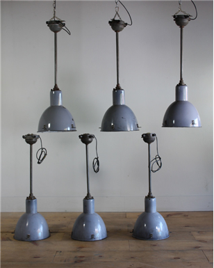 Metal Stemmed Pendant Lights